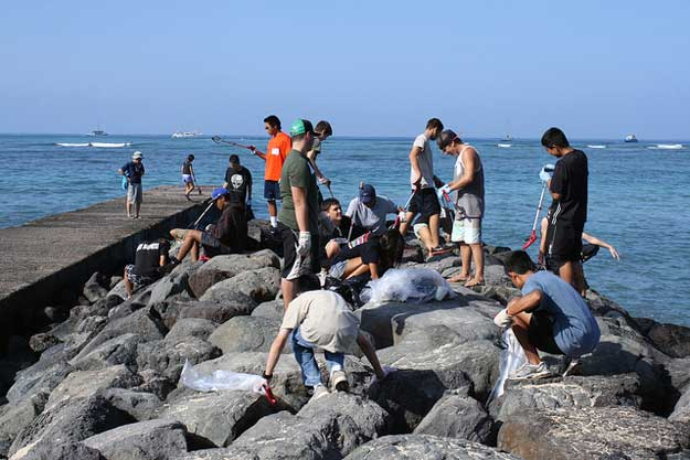 photo of coastline cleanup in Hawaii