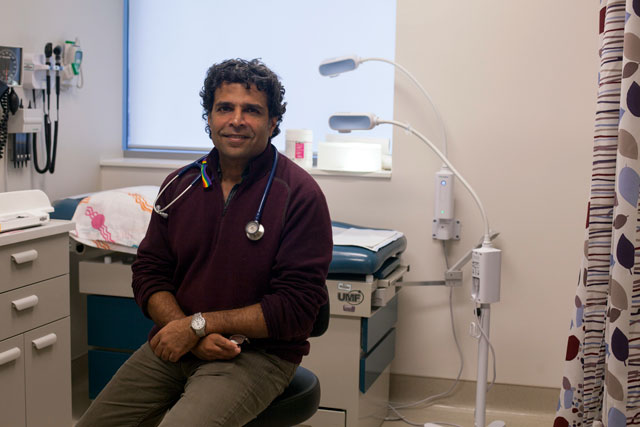 photo of Dr. Meb Rashid in clinic