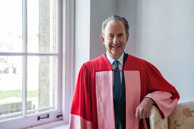 photo of Gerry Schwartz in convocation robes
