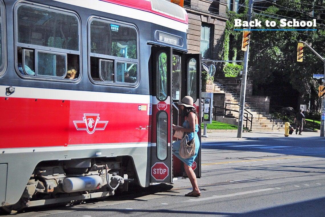 Photo of streetcar on College Street