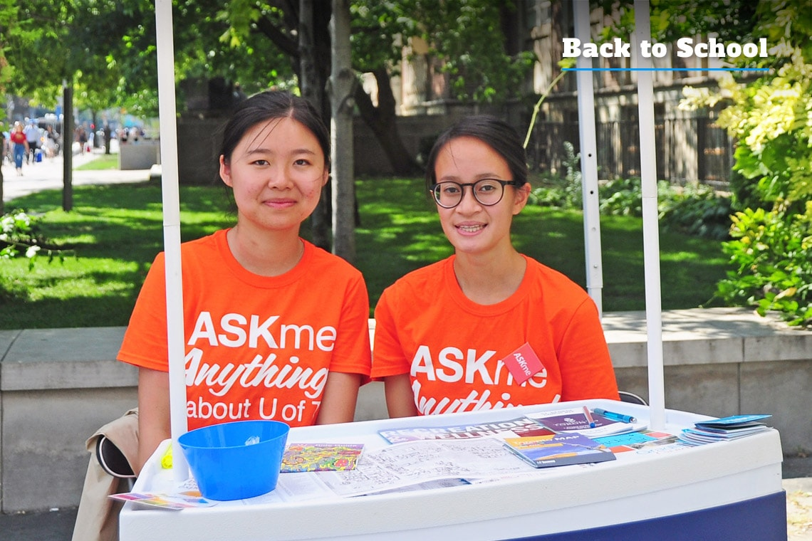 Photo of students at ASKme booth