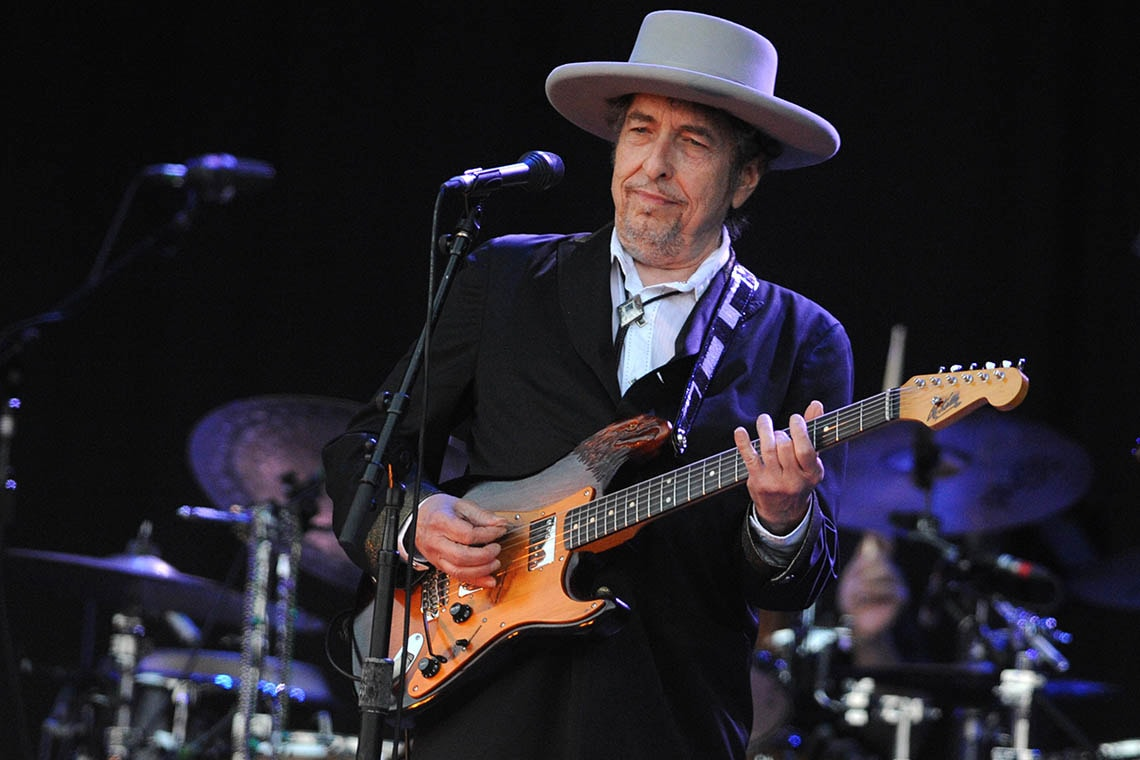 photo of Bob Dylan in concert