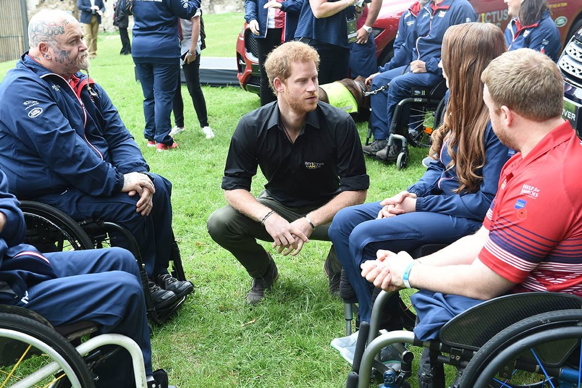 Pic of Prince Harry and athletes