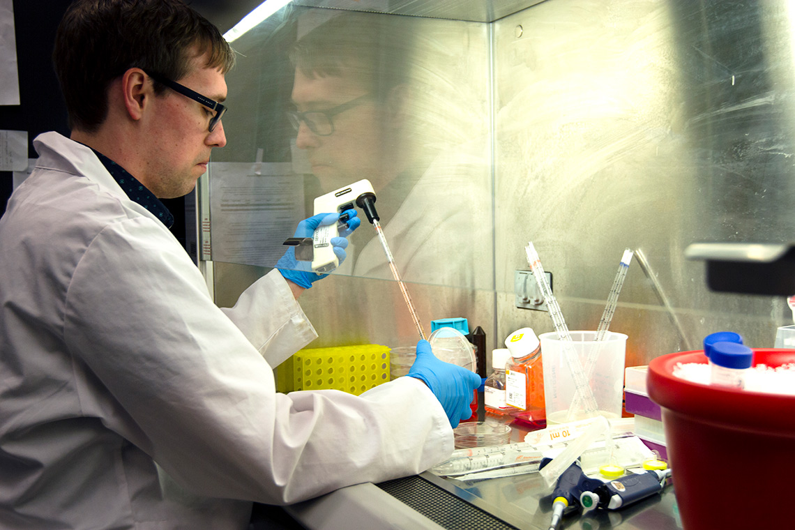 photo of Graham MacLeod in the lab