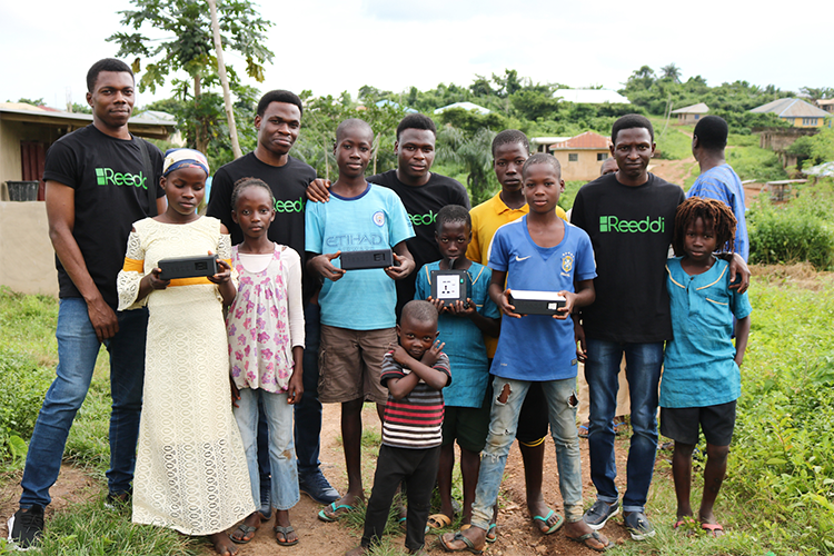 Olugbenga Olubanjo and Reeddi team in Ayegun Community in Oyo State, Nigeria during Reeddi's micro-scale pilot in August 2019