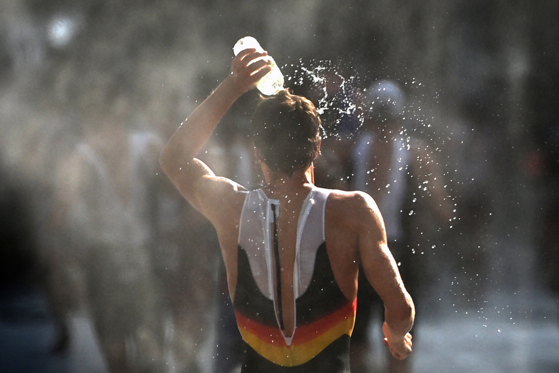 Athlete cools off at Tokyo Olympics