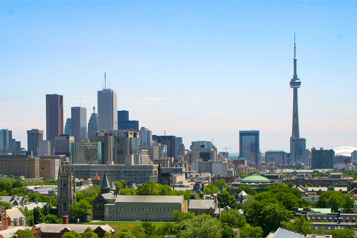 U of T campus and toronto skyline with cn tower in the background