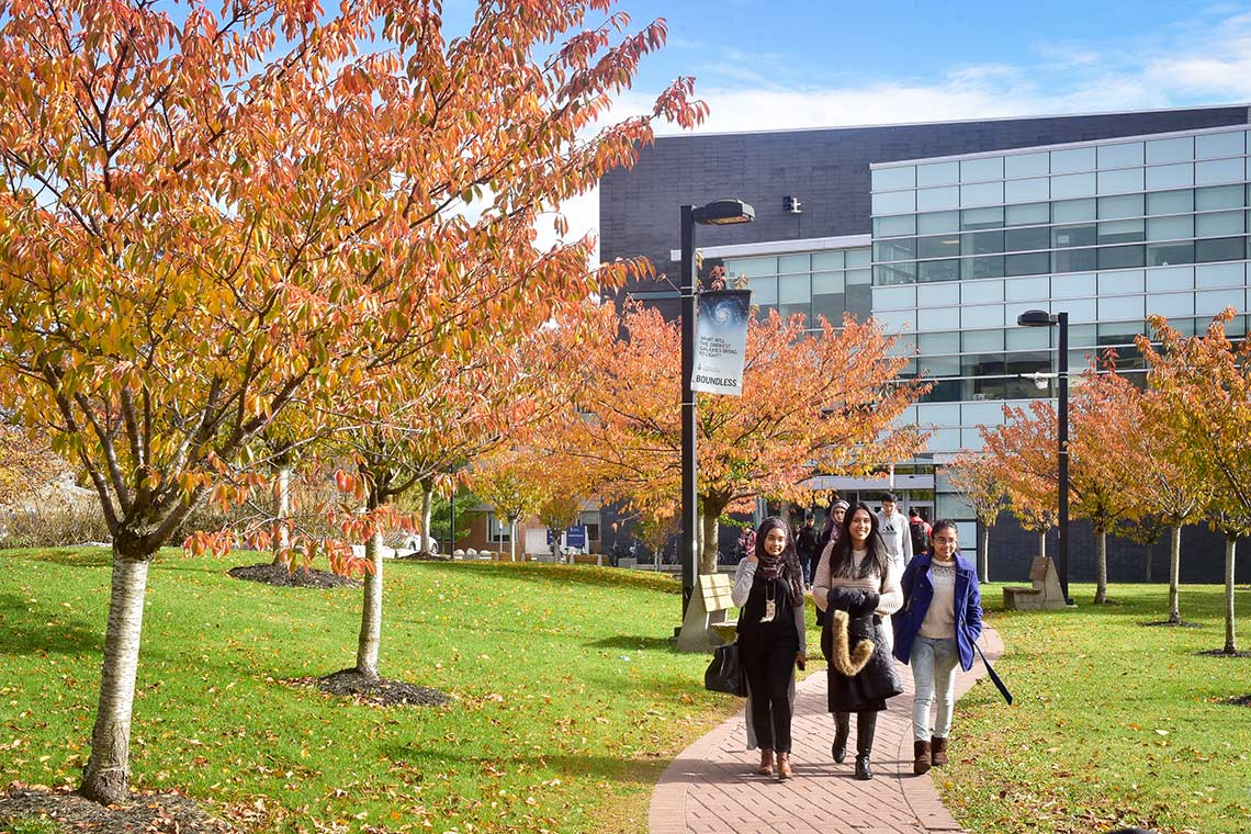 Photo of students walking on path at U of T Scarborough