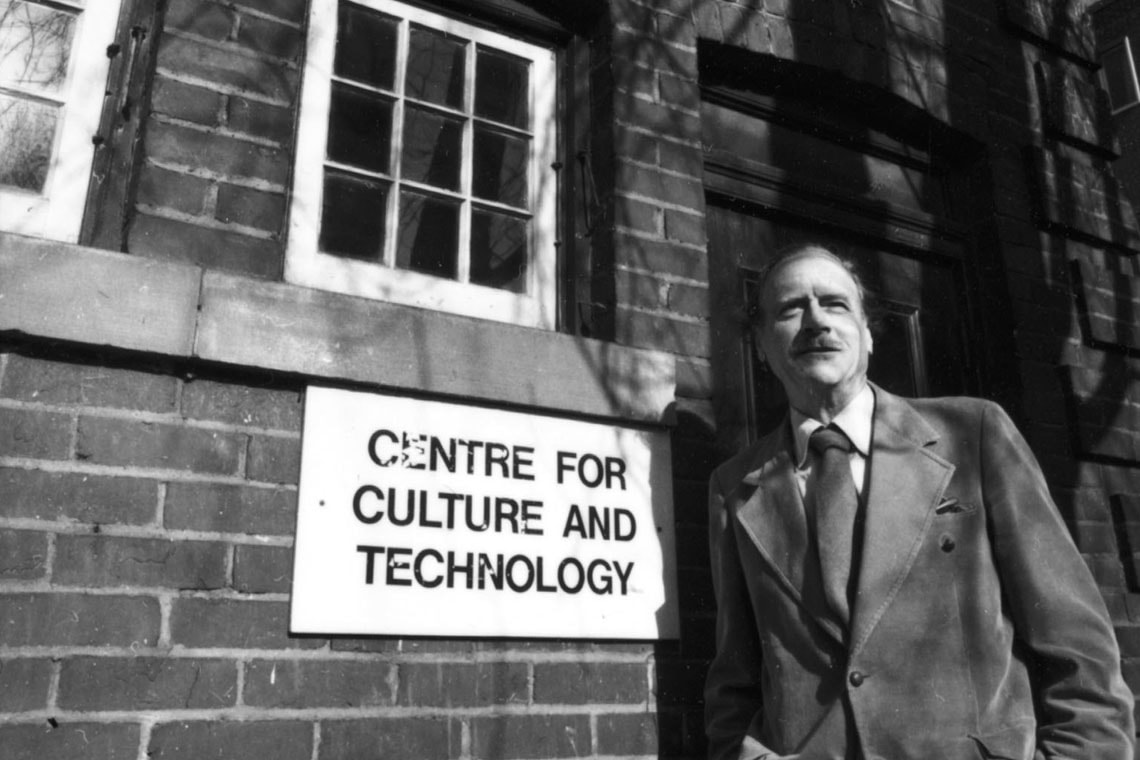 Marshall McLuhan outside the Coach House Institute in 1973