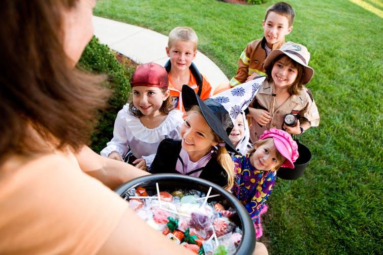 Photo of kids on Halloween