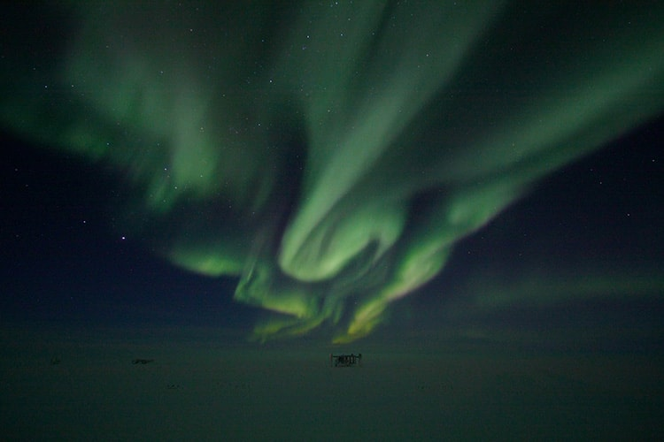 Keith Vanderlinde photo of auroras at South Pole