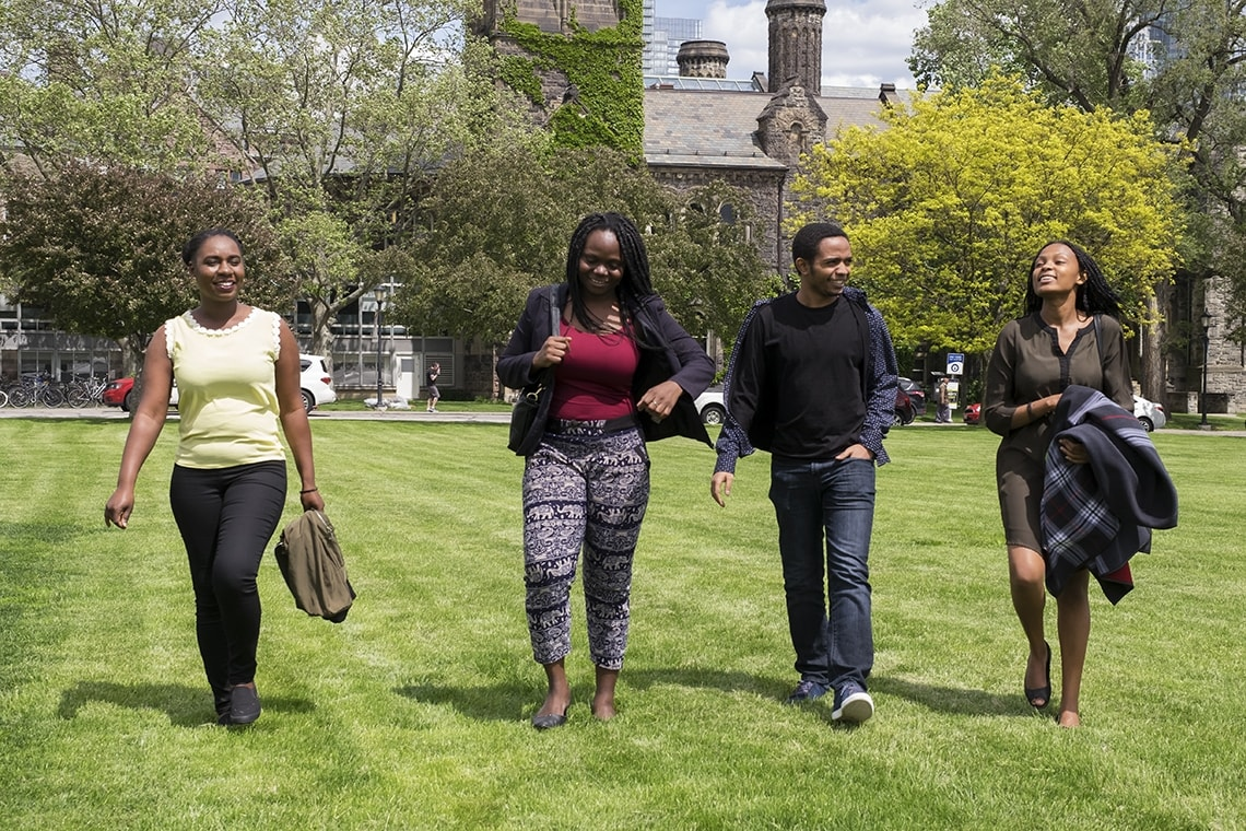 MCF scholars on front campus photo