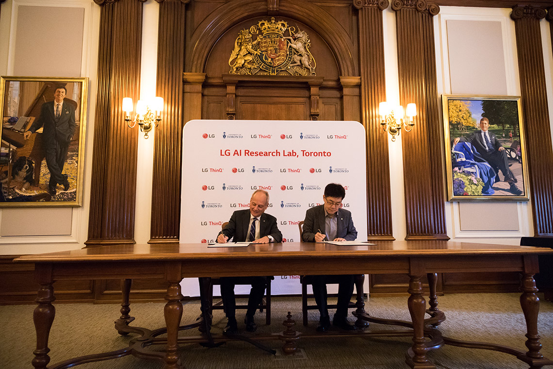 U of T President Meric Gertler and LG Electronics CTO Il-Pyung Park