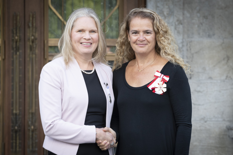 Susan Chatwood recieves Polar Prize from Governor General Julie Payette