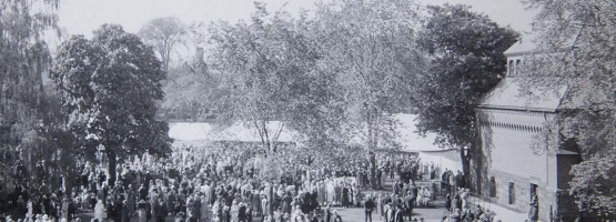 Archival photo of convocation at U of T
