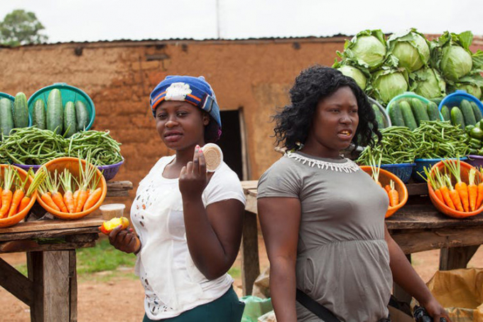 Photo of women selling produce in Nigeria